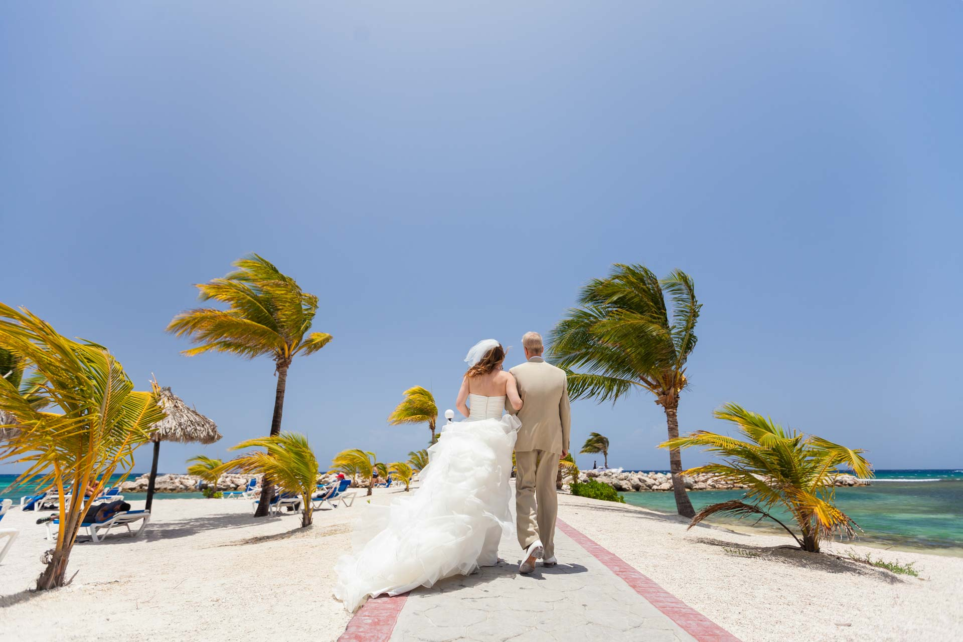 reasons to hire a professional wedding planner-1