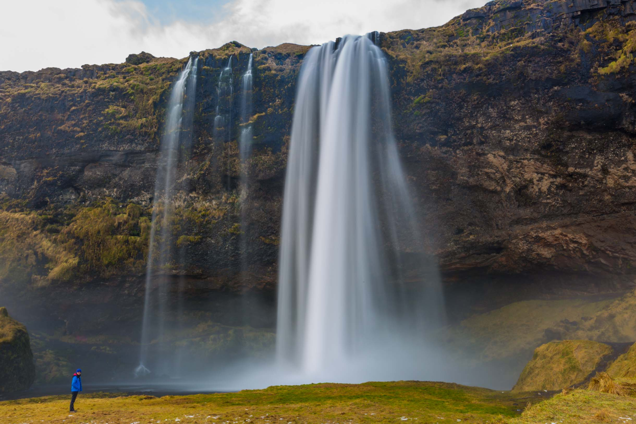 A picture from the seljalandsfoss waterfall while checking out the Southern Iceland Waterfalls