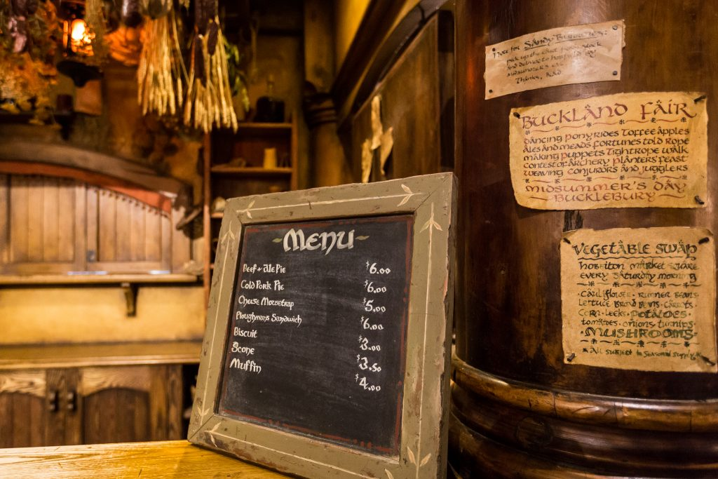 Inside The Green Dragon Hobbiton Movie Set Evening Banquet Tour Dinner Pictures