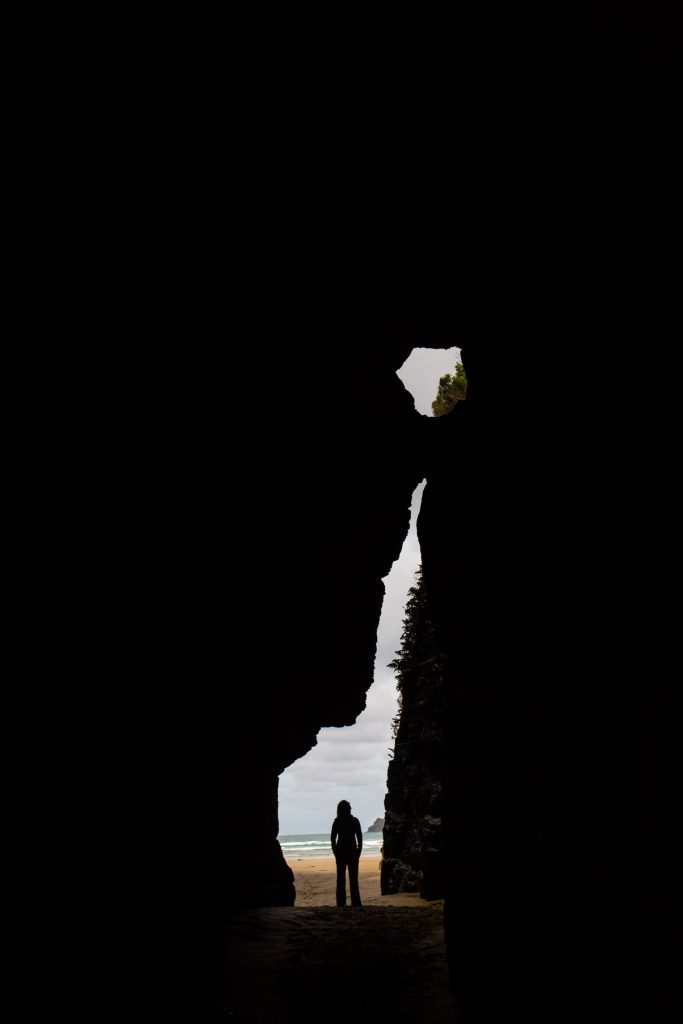 cathedral caves new zealand silhouette picture