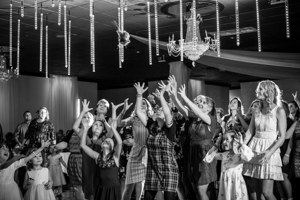 ladies catching the bouquet