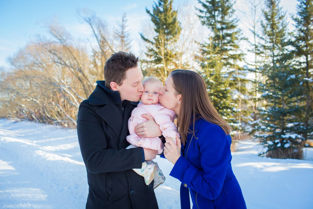 winter family photos with baby